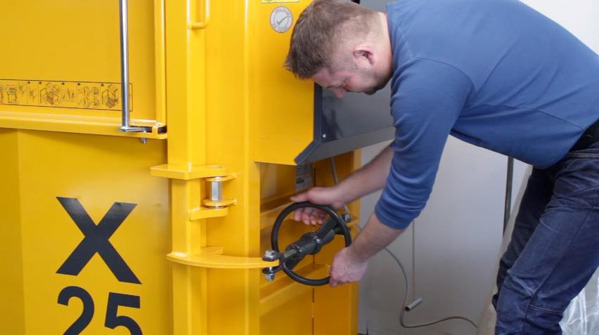 EN16500 Safety Standard_spindle used for safe opening of baler door