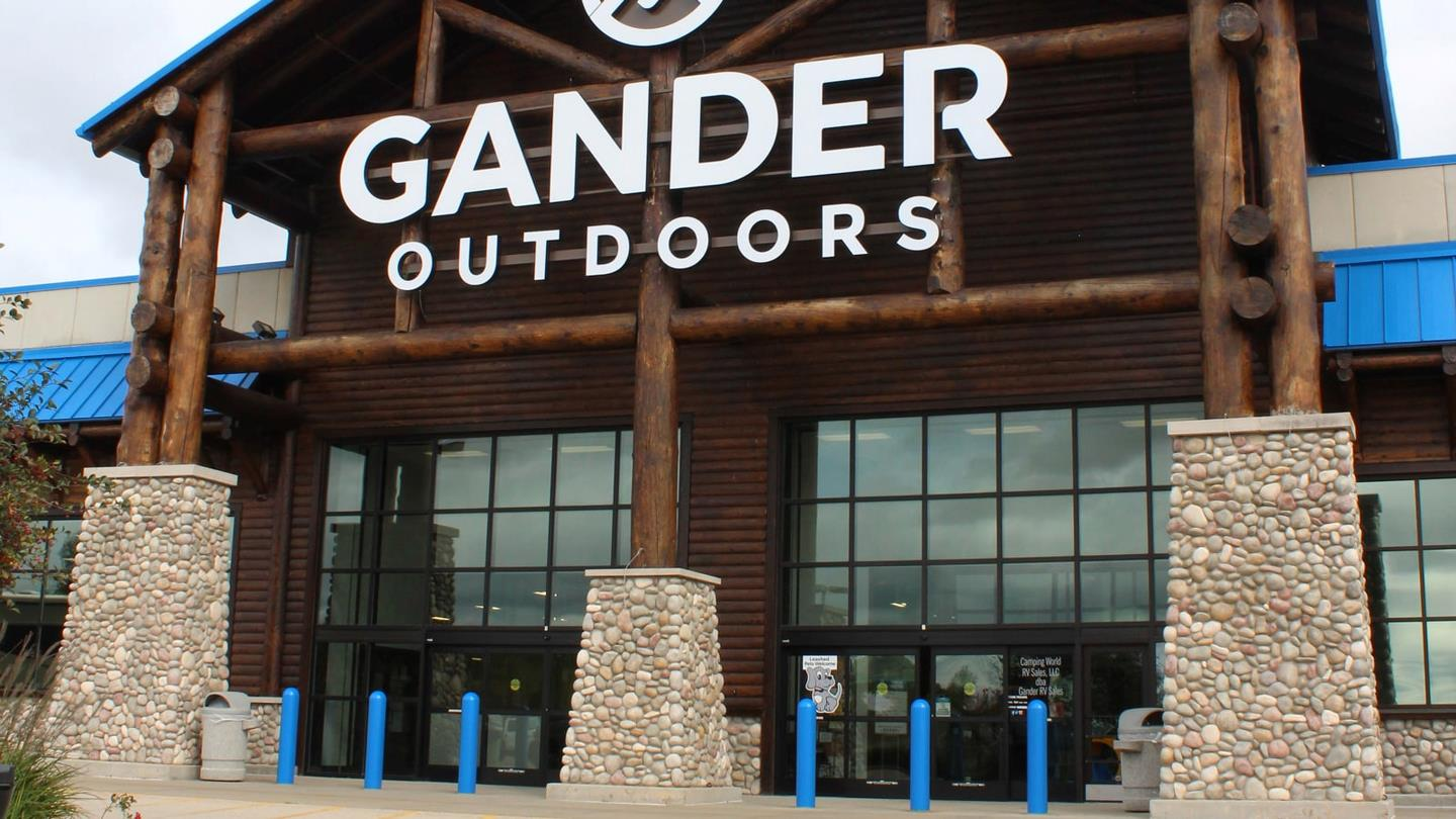 Outside Gander Outdoors Front Entrance